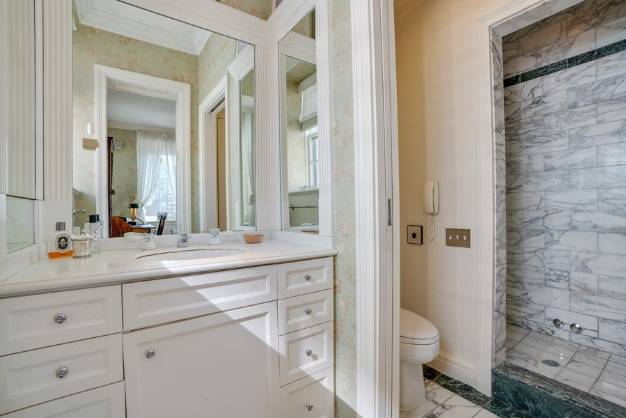 Real Estate Photography - 1260 N Astor St, Apt 11N, Chicago, IL, 60610 - Master Bathroom