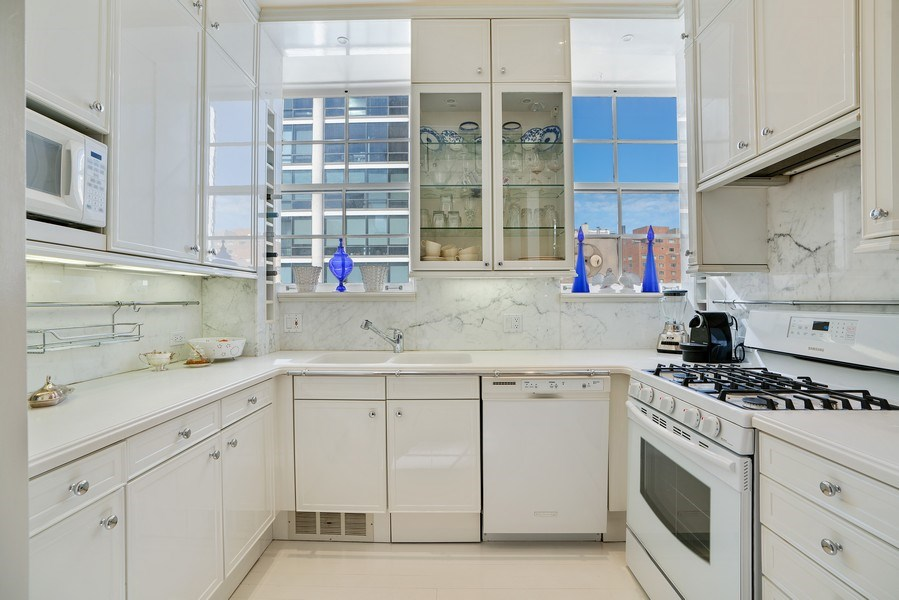 Real Estate Photography - 1260 N Astor St, Apt 11N, Chicago, IL, 60610 - Kitchen