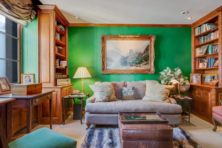 Real Estate Photography - 1260 N Astor St, Apt 11N, Chicago, IL, 60610 - Library