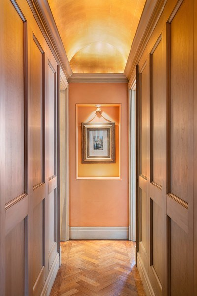 Real Estate Photography - 1260 N Astor St, Apt 11N, Chicago, IL, 60610 - Hallway