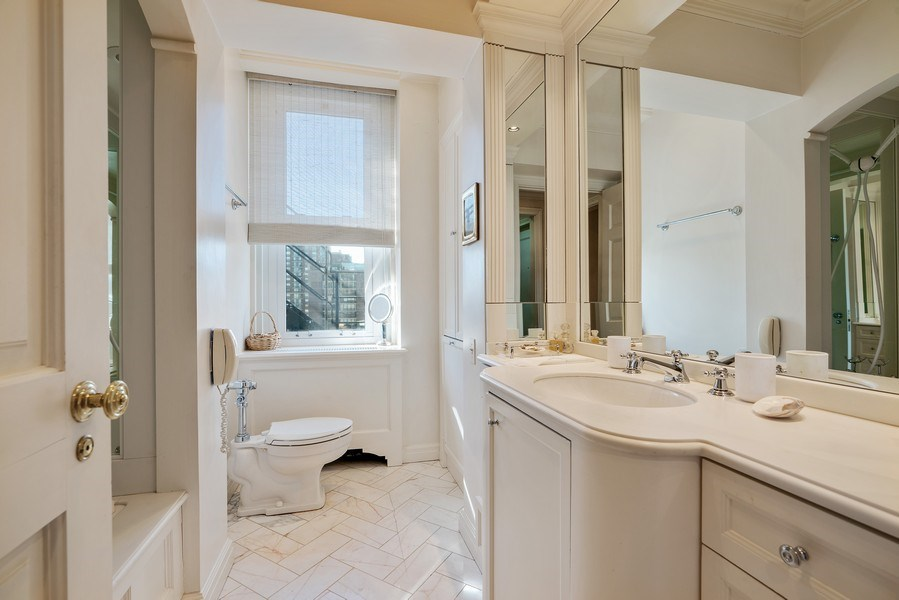 Real Estate Photography - 1260 N Astor St, Apt 11N, Chicago, IL, 60610 - 2nd Bathroom