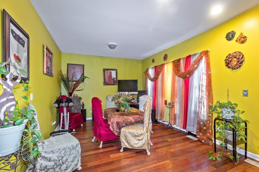 Real Estate Photography - 448 E 46th Pl, Unit F1, Chicago, IL, 60653 - Dining Room