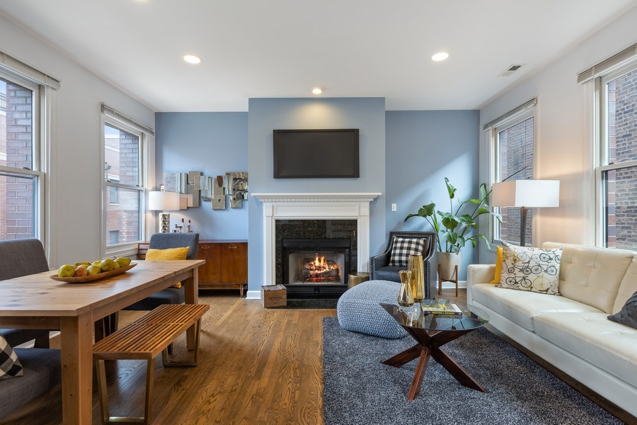 Real Estate Photography - 2036 W LeMoyne B, Chicago, IL, 60614 - Living Room
