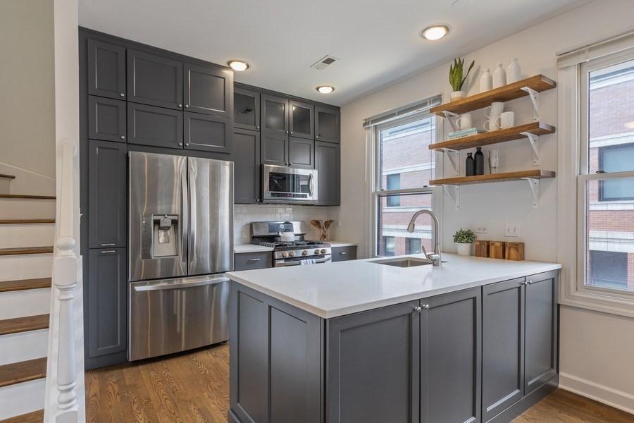 Real Estate Photography - 2036 W LeMoyne B, Chicago, IL, 60614 - Kitchen