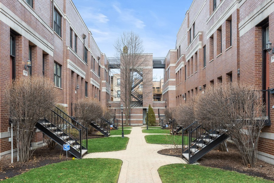 Real Estate Photography - 2036 W LeMoyne B, Chicago, IL, 60614 - Front View