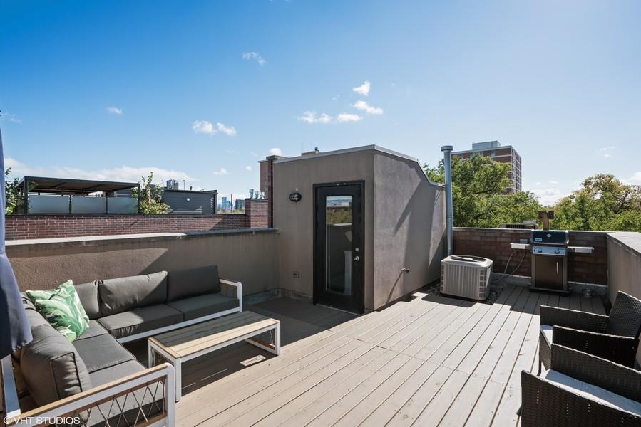 Real Estate Photography - 2036 W LeMoyne B, Chicago, IL, 60614 - Roof Deck