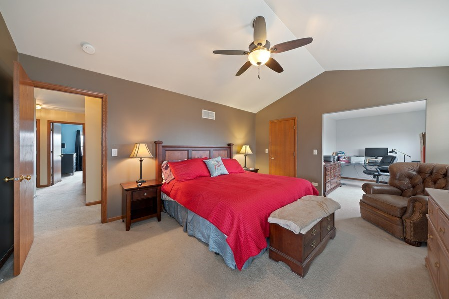 Real Estate Photography - 2003 Wedgeport Circle, Romeoville, IL, 60446 - Master Bedroom