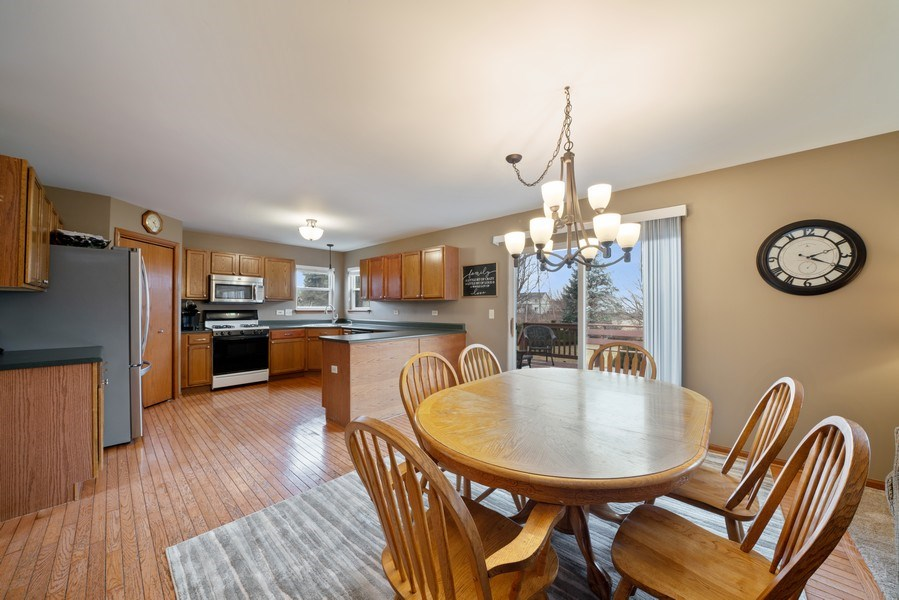 Real Estate Photography - 2003 Wedgeport Circle, Romeoville, IL, 60446 - Kitchen / Breakfast Room