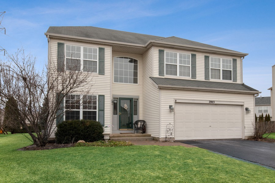 Real Estate Photography - 2003 Wedgeport Circle, Romeoville, IL, 60446 - Front View