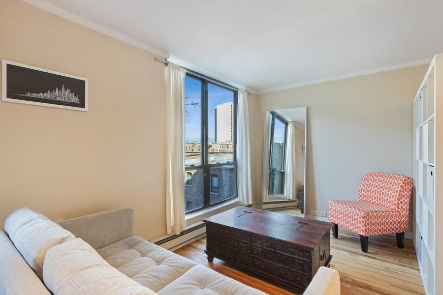 Real Estate Photography - 2600 N Hampden, Unit D5, Chicago, IL, 60614 - Living Room
