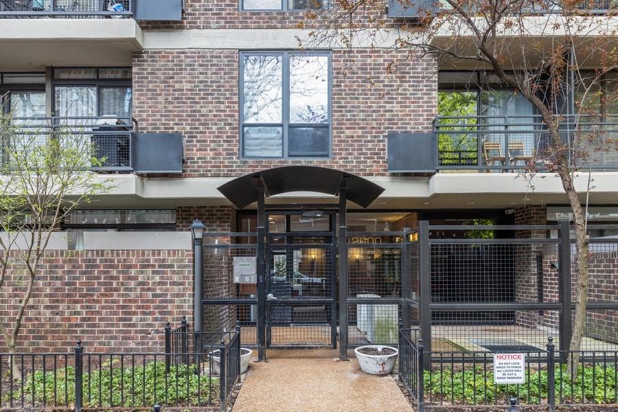Real Estate Photography - 2600 N Hampden, Unit D5, Chicago, IL, 60614 - Front View