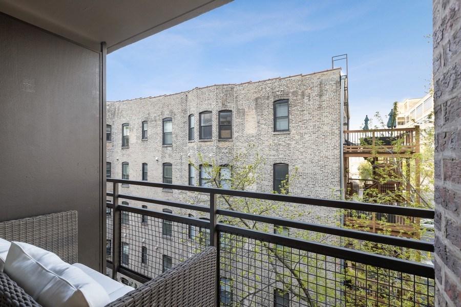 Real Estate Photography - 2600 N Hampden, Unit D5, Chicago, IL, 60614 - Balcony