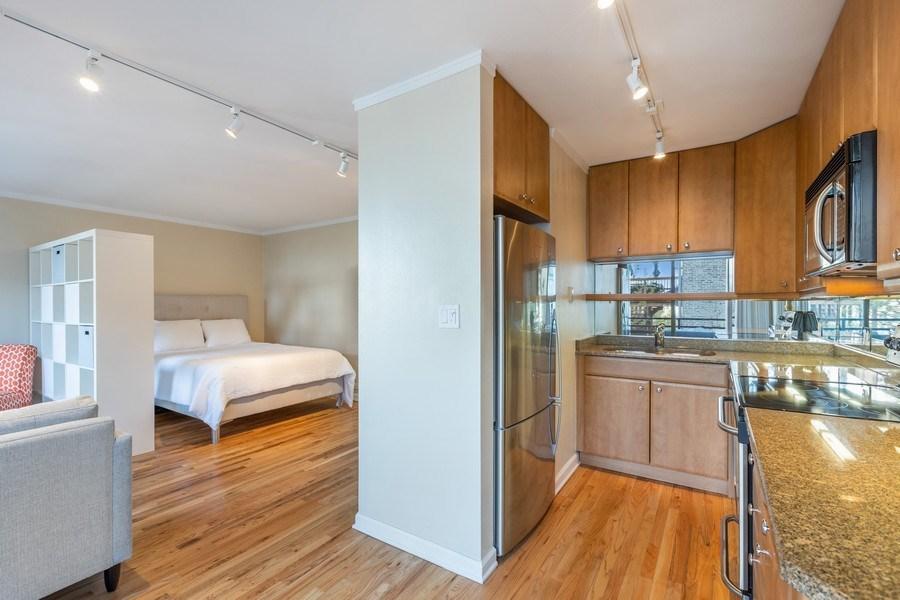 Real Estate Photography - 2600 N Hampden, Unit D5, Chicago, IL, 60614 - Kitchen