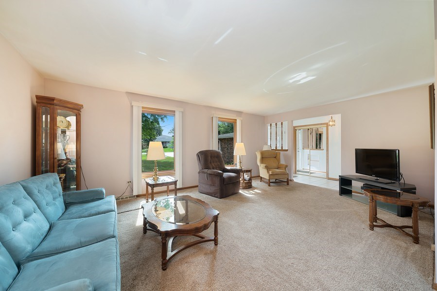 Real Estate Photography - 13322 S Adsit Rd, Palos Park, IL, 60464 - Living Room
