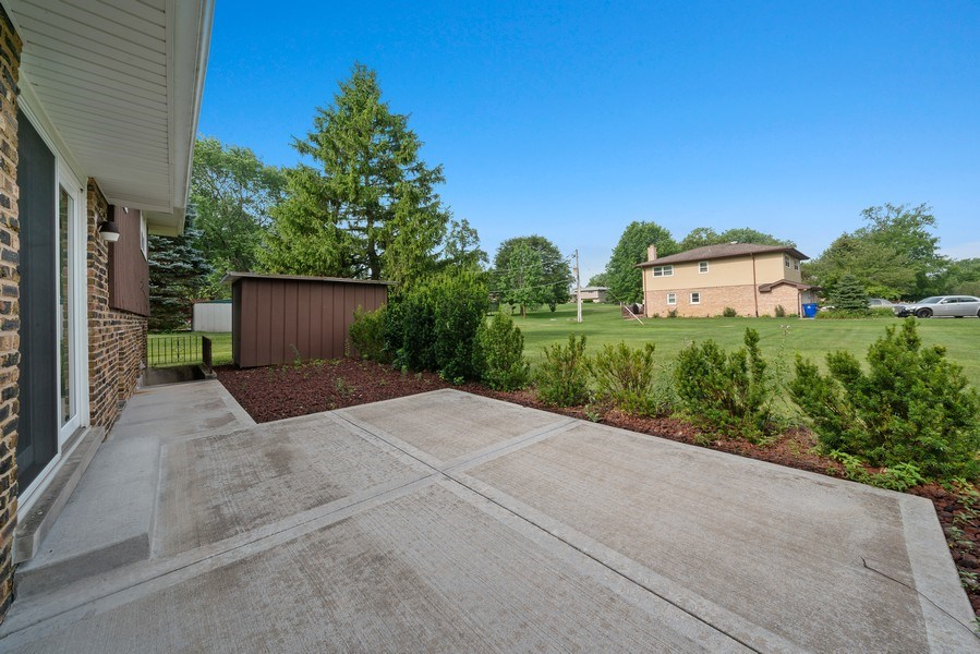Real Estate Photography - 13322 S Adsit Rd, Palos Park, IL, 60464 - Patio