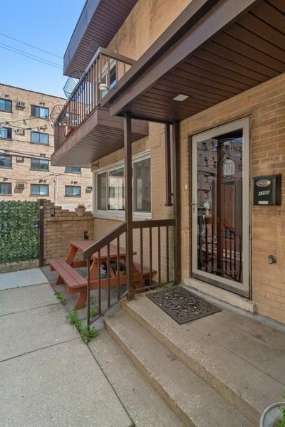 Real Estate Photography - 428 W Wellington, Unit B, Chicago, IL, 60657 - Front View