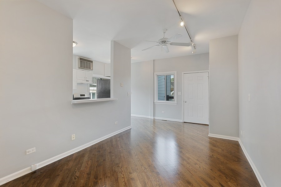 Real Estate Photography - 1913 W Armitage, Unit 2RW, Chicago, IL, 60622 - Living Room