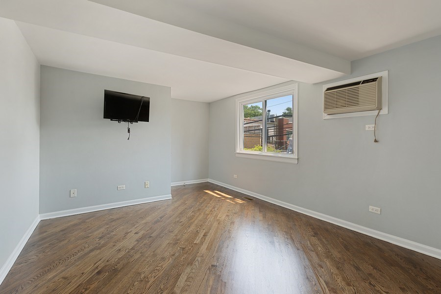 Real Estate Photography - 1913 W Armitage, Unit 2RW, Chicago, IL, 60622 - 2nd Bedroom