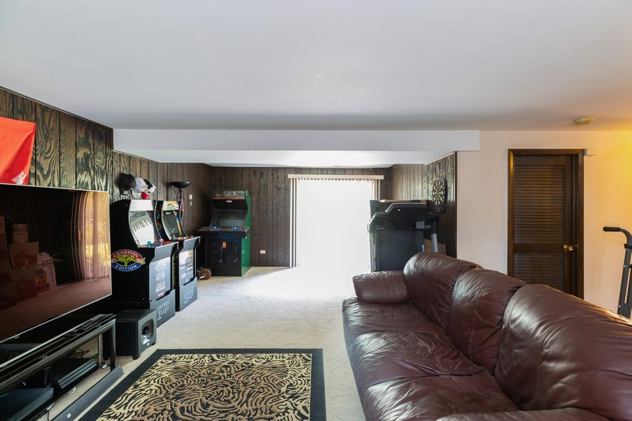 Real Estate Photography - 22817 Lakeshore Dr, Richton Park, IL, 60471 - Family Room