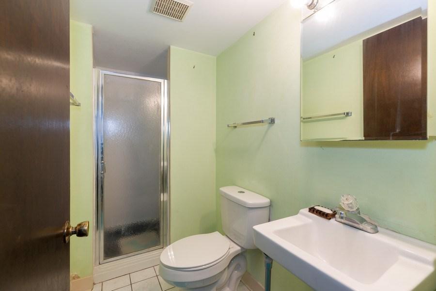 Real Estate Photography - 22817 Lakeshore Dr, Richton Park, IL, 60471 - Bathroom