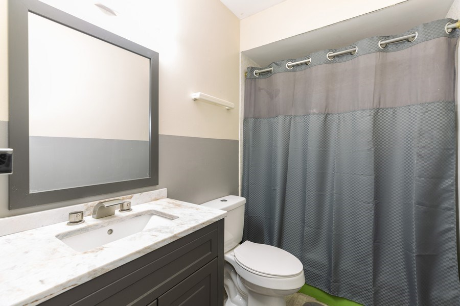 Real Estate Photography - 22817 Lakeshore Dr, Richton Park, IL, 60471 - 2nd Bathroom