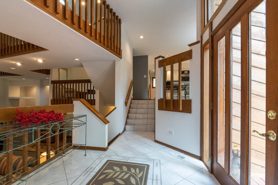 Real Estate Photography - 42 Danube Way, Olympia Fields, IL, 60461 - Foyer