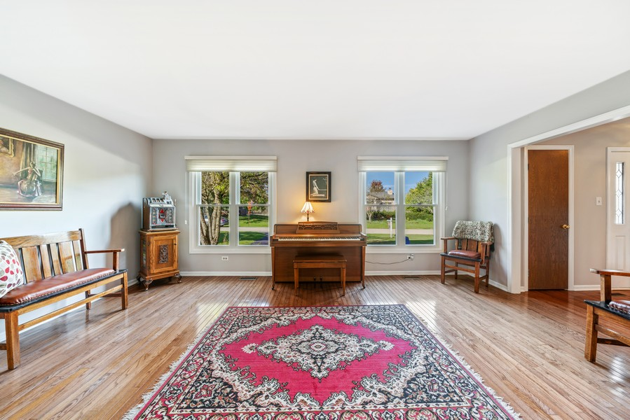 Real Estate Photography - 15845 115th Ct, Orland Park, IL, 60467 - Living Room