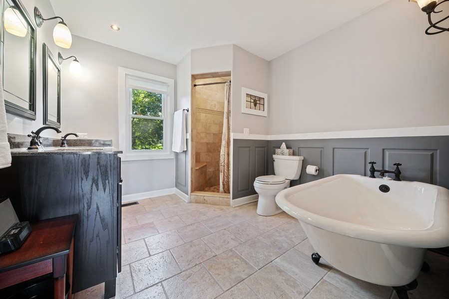 Real Estate Photography - 15845 115th Ct, Orland Park, IL, 60467 - Master Bathroom