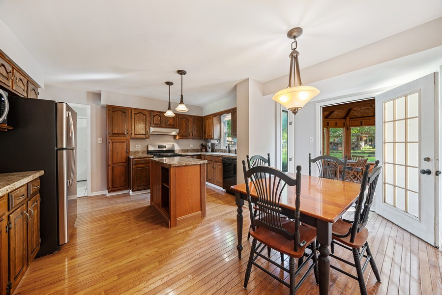 Real Estate Photography - 15845 115th Ct, Orland Park, IL, 60467 - Kitchen / Breakfast Room