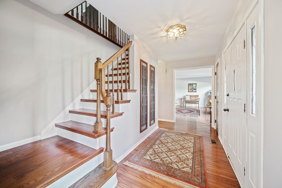 Real Estate Photography - 15845 115th Ct, Orland Park, IL, 60467 - Foyer
