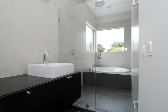 Real Estate Photography - 1670 Onaway, Miami, FL, 33133 - Master Bathroom