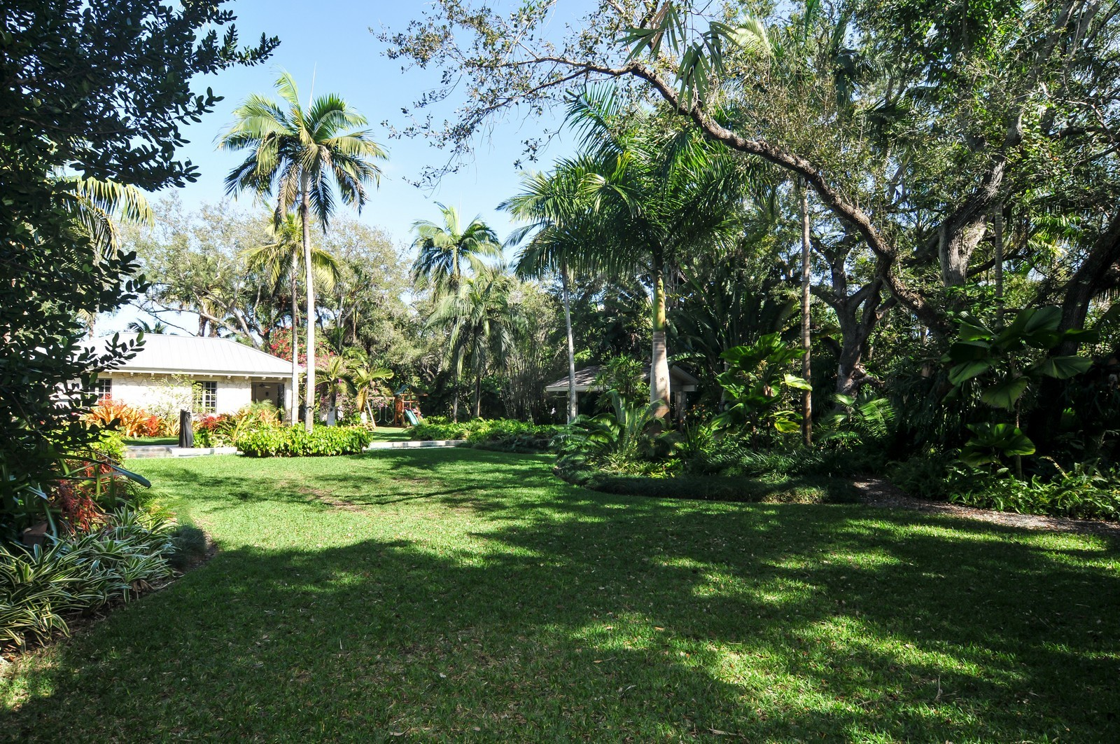 Real Estate Photography - 10225 Coral Creek Rd, Coral Gables, FL, 33156 - Garden