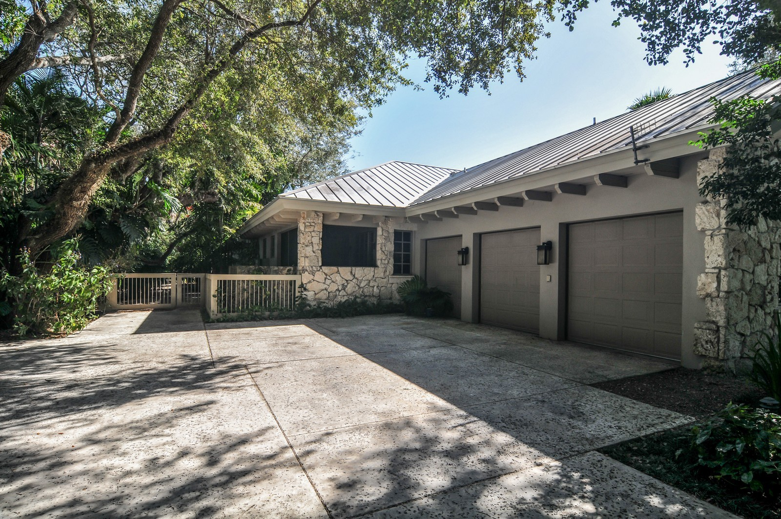 Real Estate Photography - 10225 Coral Creek Rd, Coral Gables, FL, 33156 - Garage