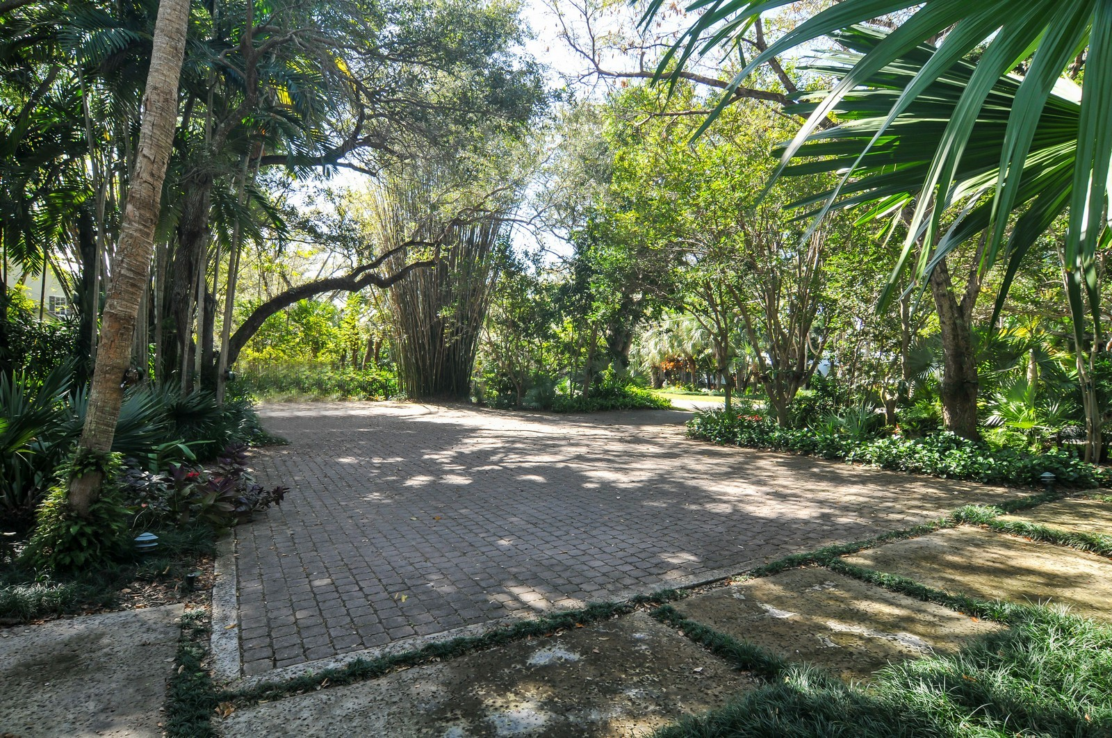 Real Estate Photography - 10225 Coral Creek Rd, Coral Gables, FL, 33156 - Parking Area