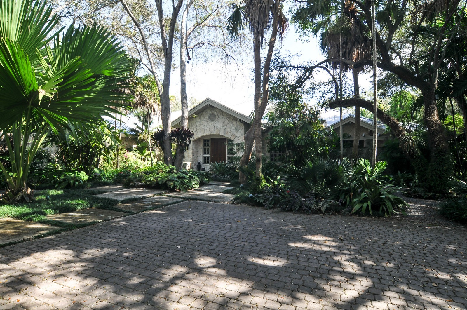 Real Estate Photography - 10225 Coral Creek Rd, Coral Gables, FL, 33156 - Front View