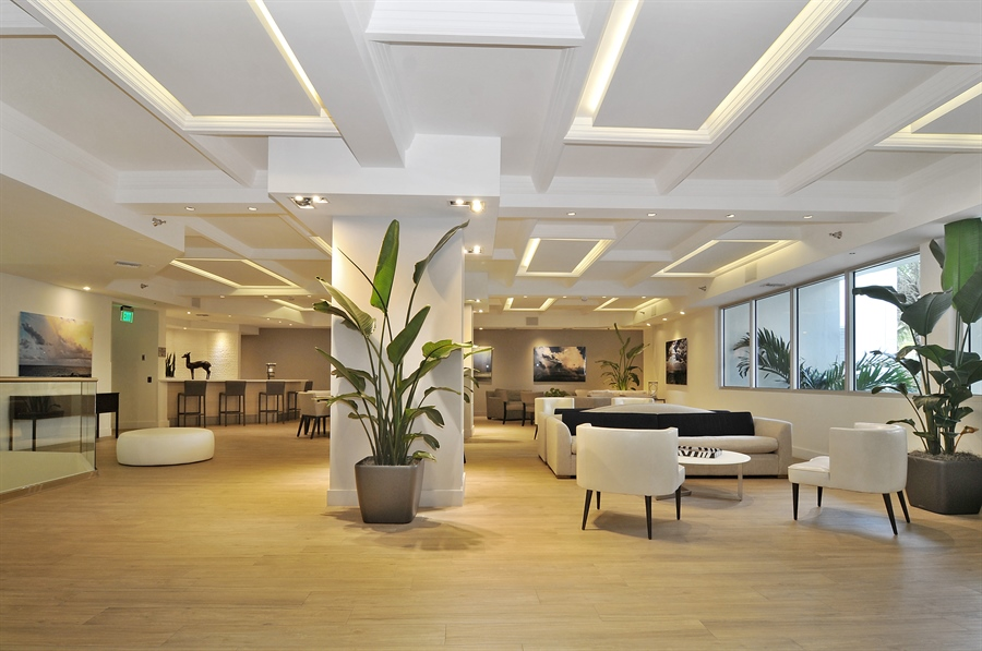 Real Estate Photography - 100 Lincoln RD, 643, Miami Beach, FL, 33139 - Lobby
