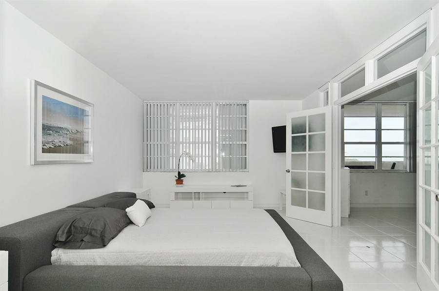 Real Estate Photography - 100 Lincoln RD, 643, Miami Beach, FL, 33139 - Master Bedroom
