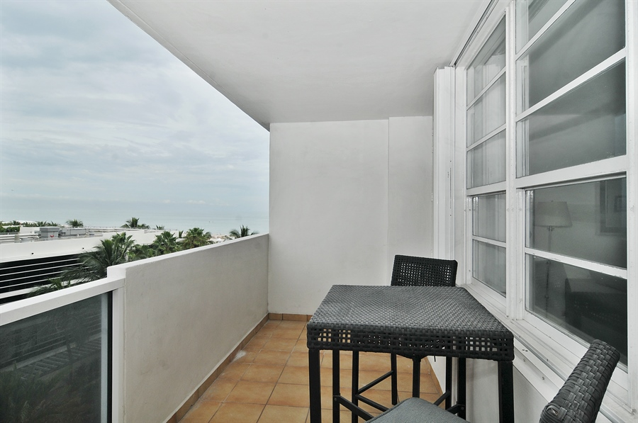 Real Estate Photography - 100 Lincoln RD, 643, Miami Beach, FL, 33139 - Balcony