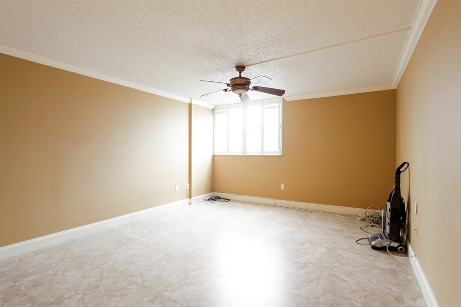 Real Estate Photography - 900 NE 195th St, 612, Miami, FL, 33179 - Master Bedroom