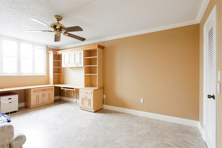 Real Estate Photography - 900 NE 195th St, 612, Miami, FL, 33179 - Bedroom