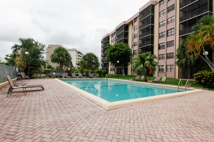 Real Estate Photography - 900 NE 195th St, 612, Miami, FL, 33179 - Pool