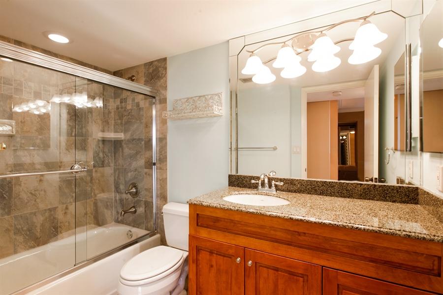 Real Estate Photography - 900 NE 195th St, 612, Miami, FL, 33179 - Bathroom