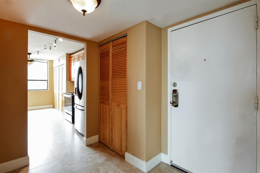 Real Estate Photography - 900 NE 195th St, 612, Miami, FL, 33179 - Entryway