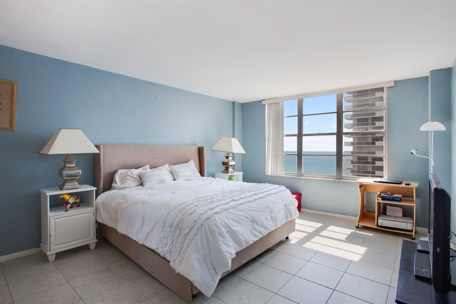 Real Estate Photography - 5700 Collins Ave, 15M, Miami Beach, FL, 33140 - Bedroom