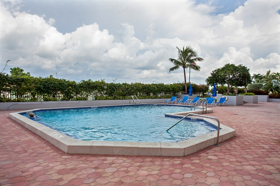 Real Estate Photography - 5700 Collins Ave, 15M, Miami Beach, FL, 33140 - Pool