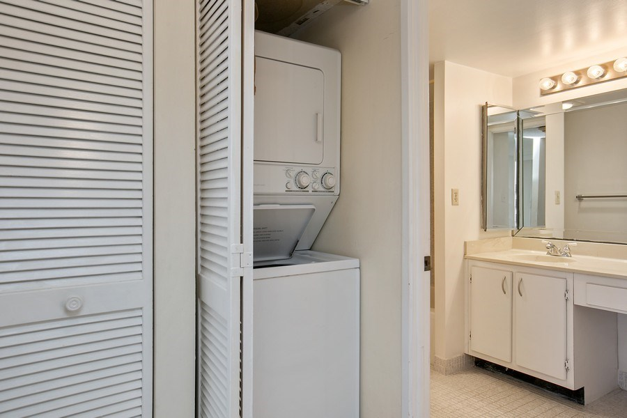 Real Estate Photography - 290 174th Street, 602, Sunny Isles Beach, FL, 33160 - Laundry Room