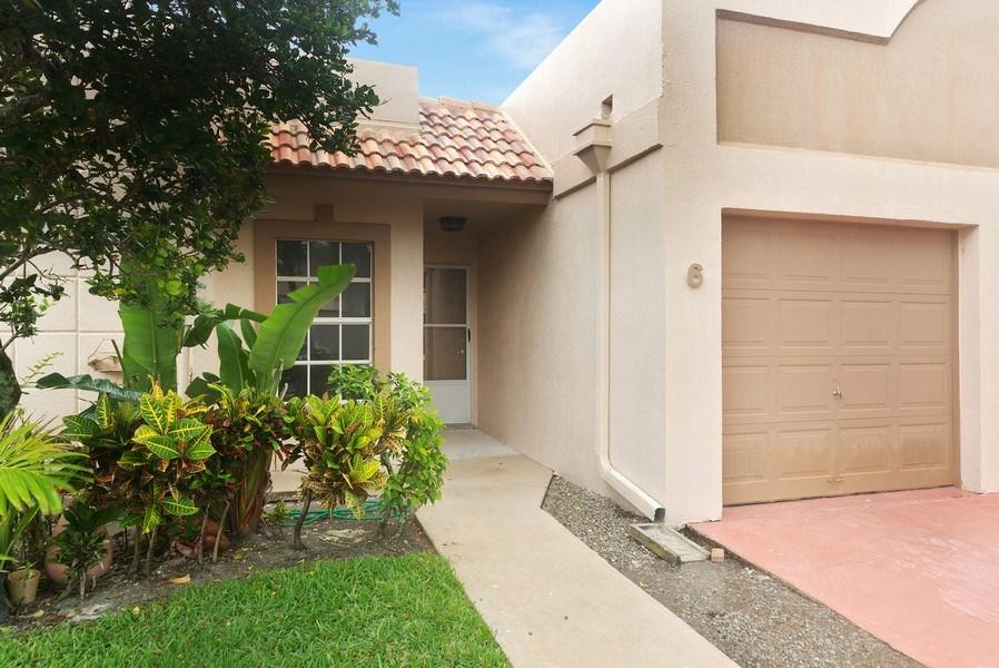 Real Estate Photography - 18771 Stewart Cir, Unit 6, Boca Raton, FL, 33496 - Front View