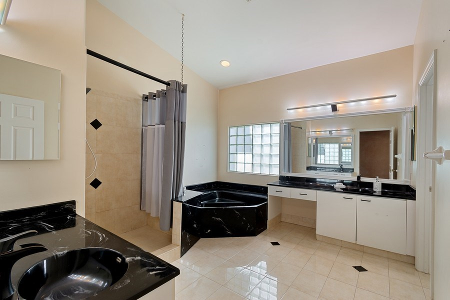 Real Estate Photography - 20211 NW 9TH DRIVE, PEMBROKE PINES, FL, 33029 - Master Bathroom