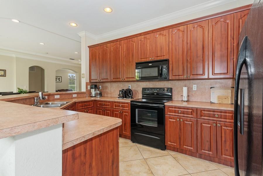 Real Estate Photography - 13126 SW 196th St, Miami, FL, 33177 - Kitchen