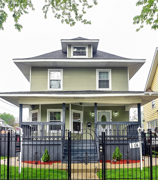 Real Estate Photography - 114 N Latrobe Ave, Chicago, IL, 60644 - Front View